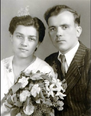 Dmytre Zarchuk and his wife Sofia on their wedding day. (Photo from The Suitcase Exhibit online)